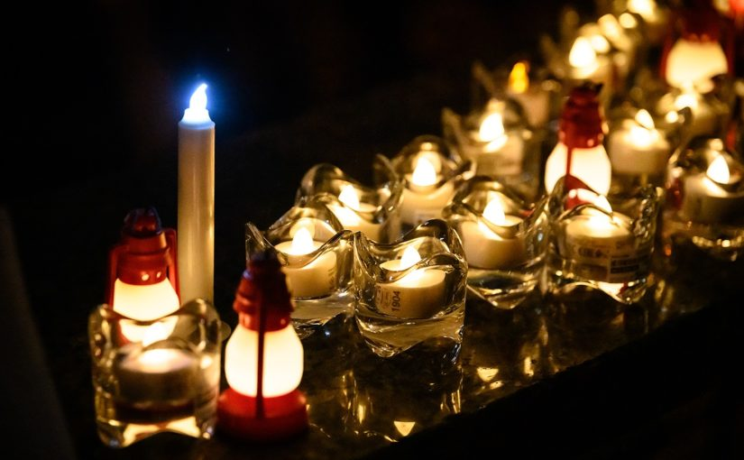 Candlelight vigil in memorial of innocent brave Iranians